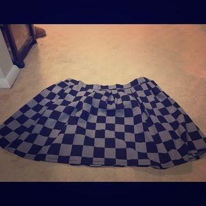 Plus size black and white pattern skirt